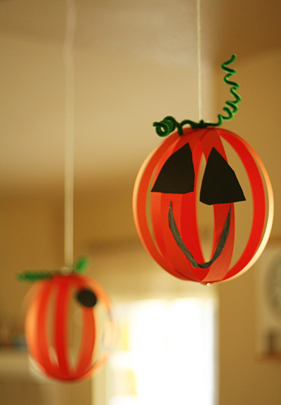 hanging_pumpkins2