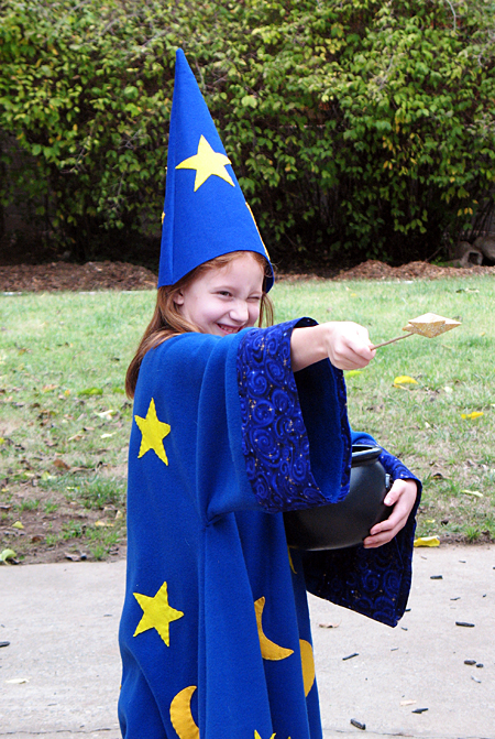 The Wizard Costume - Let's Explore